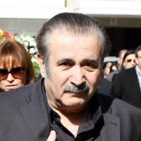 Ο Λαζόπουλος στην κηδεία της γυναίκας του : «Αντίο κορίτσι μου. Απο εμένα και την κόρη σου»
